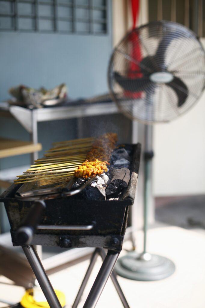 grill gastronomiczny w kuchni