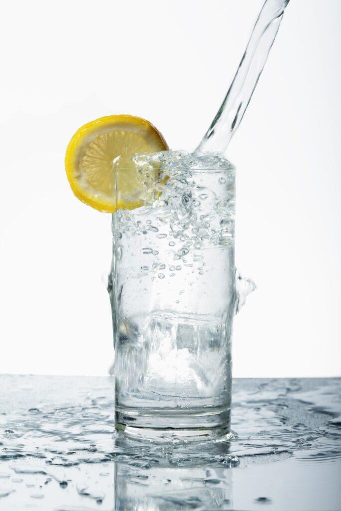 napój zrobiony za pomocą syfonu do wody gazowanej
